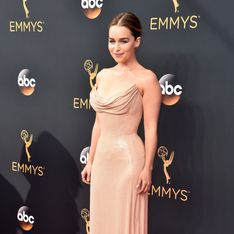 Emilia Clarke, ultra-sexy pour les Emmy Awards 2016 (Photos)