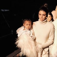 À 3 ans, la fille de Kim Kardashian est déjà fan de make-up (photos)
