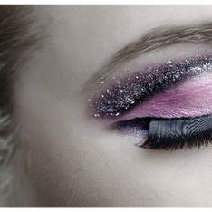 Glitter Cut Crease: il nuovo beauty trend per uno sguardo brillante