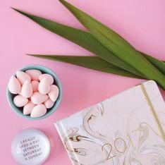 Klein, pink & super praktisch! So benutzt ihr den Beautyblender richtig
