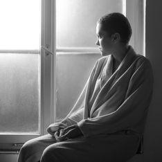 Indignation à Toulouse après qu'un vigile oblige une femme atteinte d'un cancer à montrer son crâne (Photos)