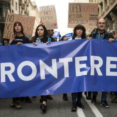 Des milliers de citoyens dans la rue à Barcelone pour l'accueil des réfugiés (Photos)