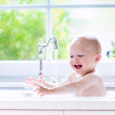 Sommer, Sonne, Schweiß: Wie oft muss man Kinder WIRKLICH baden?
