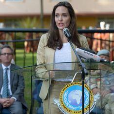 Angelina Jolie affiche bonne mine dans un tailleur beige chic et décontracté (Photos)