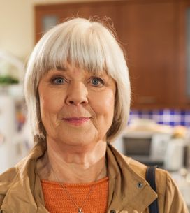 Hollyoaks 10/07 - Granny Campbell Tries To Convince Courtney To Come Back To Scotland