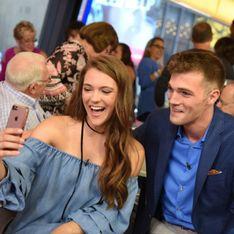 Tras tres años hablando por Tinder, esta pareja se conoce por primera vez
