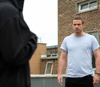 Hollyoaks 16/08 - Warren Chases The Hooded Blackmailer