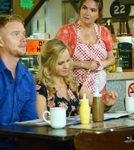 Coronation Street 30/08 - Gary's Family Are Divided