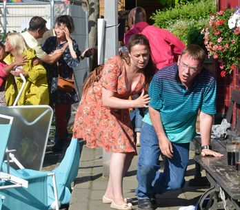 Eastenders 05/09 - Walford In Bloom Is Thrown Into Chaos