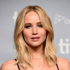 Jennifer Lawrence, en robe de princesse blanche aux côtés de son chéri (Photos)