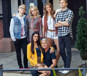 Hollyoaks 27/09 - A New Face Turns Up In The Village Enquiring About The Nightingale Family