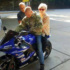 Le geste de ce motard pour cette femme aveugle va vous faire fondre (photos)