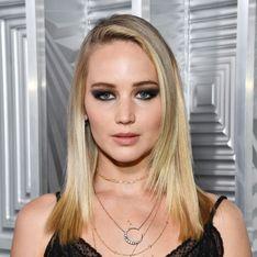 Sublime, Jennifer Lawrence ose le tapis rouge sans soutien-gorge (Photos)