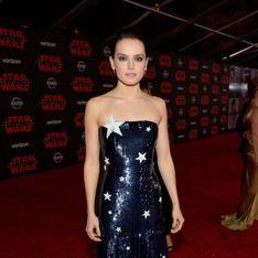 Daisy Ridley rayonnante et glamour pour la première de Star Wars : Les Derniers Jedi