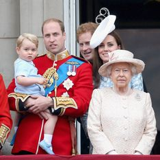 Cette photo de la famille royale d'Angleterre en pulls de Noël va vous étonner ! (Photos)