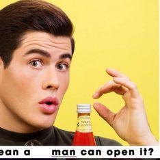 Il s'amuse à reproduire les publicités sexistes des années 50 en inversant les rôles (photos)