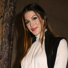Iris Mittenaere, divine en total look blanc lors de la Fashion Week de Paris (Photos)