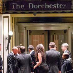Répugnant ! Des hôtesses harcelées sexuellement à un gala de charité exclusivement masculin