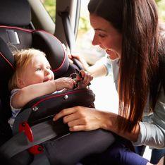 Le siège auto de son bébé prend feu, elle décide d'alerter les parents (Photos)