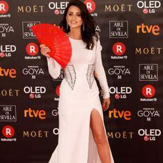 Penélope Cruz rend hommage à Versace en beauté sur le tapis rouge des Goya Cinema Awards