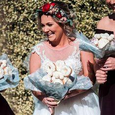 Cette femme se marie avec un bouquet de donuts, les photos sont géniales !