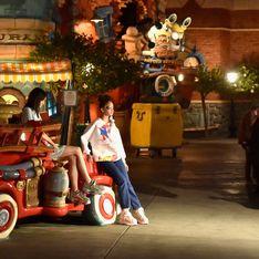 Cette marque rend hommage à Mickey pour ses 90 ans avec un défilé à Disneyland ! (Photos)