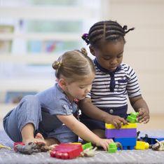 Offrir trop de jouets à vos enfants les rendrait moins créatifs