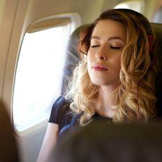 5 consigli per rilassarti sull'aereo (e addormentarti) se hai paura