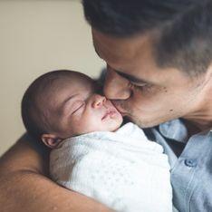 Un père réussit à allaiter son bébé grâce à une technique ingénieuse