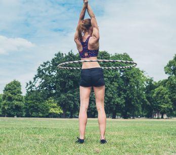 Ejercicios con hula hoop: la forma más divertida de fortalecer tu abdomen