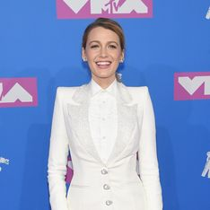 Blake Lively, son total look blanc aux MTV VMA 2018 divise la Toile