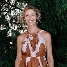 Radieuse et souriante, Alexandra Lamy fait sensation dans une robe en satin