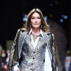 A 50 ans, Carla Bruni défile à nouveau pour Dolce & Gabbana