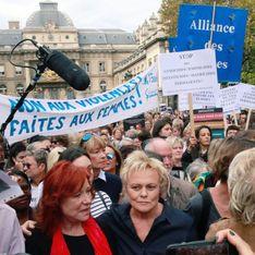 À Paris, des centaines de personnes au rassemblement contre les violences conjugales