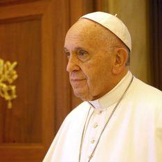 Je vous demande pardon : les excuses du pape face à une femme défigurée par son mari
