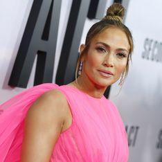 Avec cette majestueuse robe en tulle rose, Jennifer Lopez nous en met plein la vue
