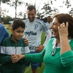 Cette maman commente les matchs pour son fils aveugle et fan de foot
