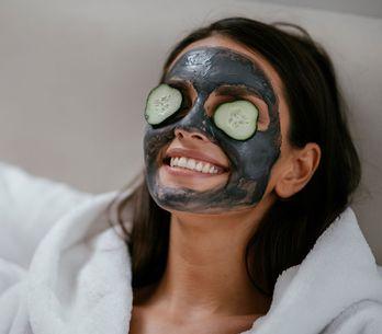 Maschera viso fai da te: la ricetta giusta per la tua pelle
