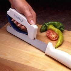 Affilacoltelli: ecco 3 dei migliori per rendere come nuovi i tuoi coltelli