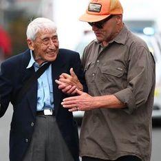 À 95 ans, il réalise un impressionnant périple pour se rendre à une marche contre le racisme