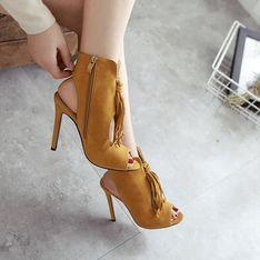 ¿Qué zapatos elegir para tus looks de entretiempo?