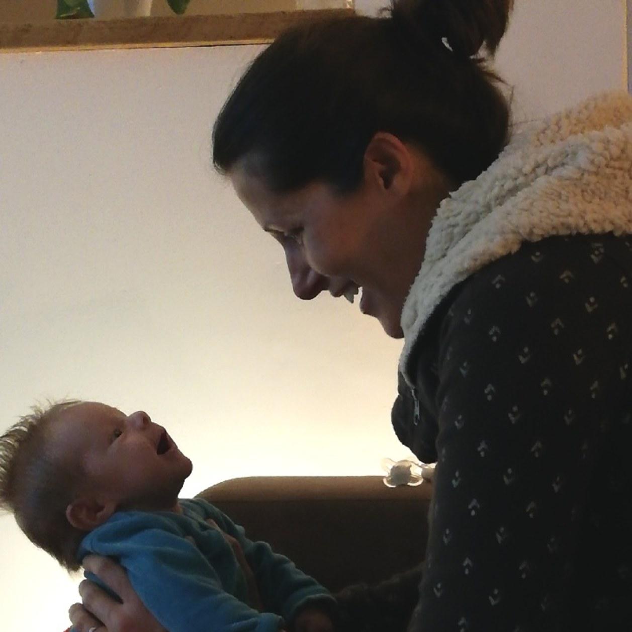 Atteinte de sclérose en plaque, Myriam nous raconte son combat pour devenir maman