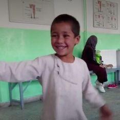 La vidéo de cet enfant qui danse avec sa nouvelle prothèse fait le tour du monde