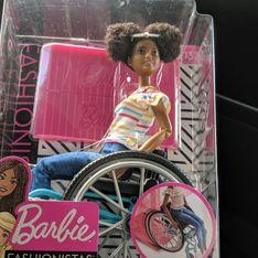 Mattel lance une Barbie® noire en fauteuil roulant et enflamme la Toile