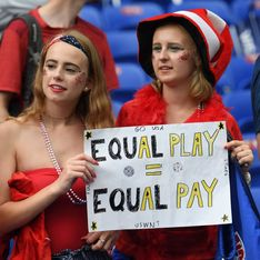 Lors de la finale de la Coupe du monde, le public chante pour réclamer l'égalité salariale