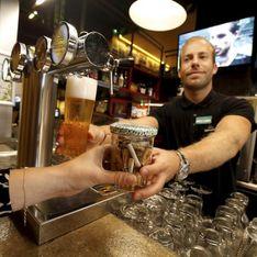 Des mégots contre un verre gratuit, le deal écolo proposé par ces bars cartonne