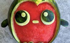Elle transforme les fruits et légumes en personnages pleins d'humour pour le bonheur des enfants