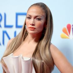 Jennifer Lopez change de look et s'essaie au carré