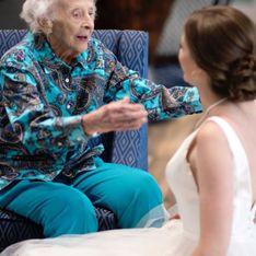 Sa grand-mère ne peut pas assister à son mariage, elle décide de faire une séance photo spéciale