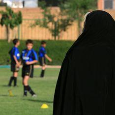 Inculpée pour avoir assisté à un match de foot, une Iranienne se donne la mort en s'immolant
